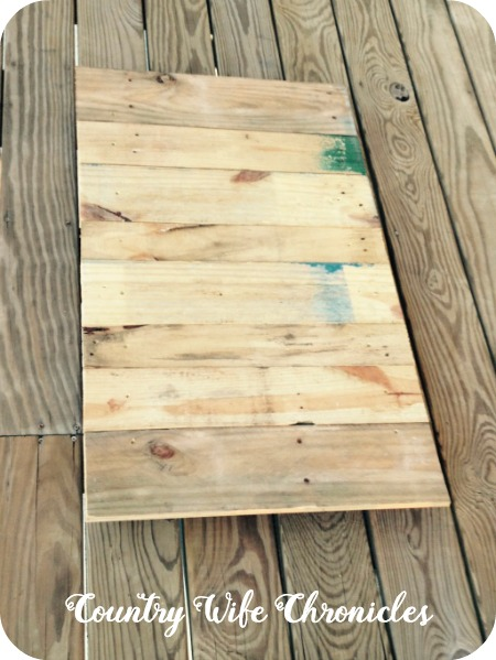 DIY Pallet Deck Table Top