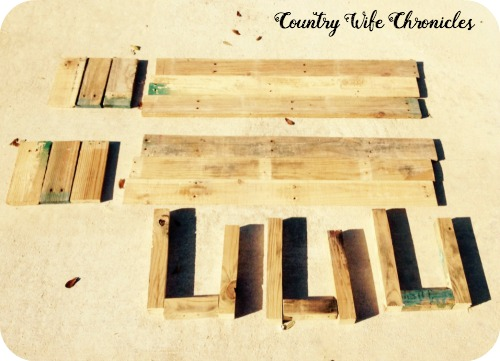 DIY Pallet Planters Pieced Out